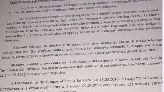 Milano, dopo 30 anni in fabbrica operaio licenziato da una m
