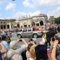 """Il """"Papa buono"""" torna nella sua Bergamo: le spoglie di Giovanni XXIII accolte da migliaia..."""