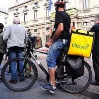 Milano, più sicurezza e tutele: in piazza il primo sciopero dei rider