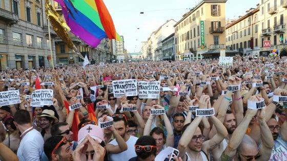 """Gay Pride, il Comune di Milano conferma il suo patrocinio: """"Necessario rimanere vigili e attivi"""""""