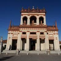Garlasco, ricatti a luci rosse al santuario: condannati due uomini