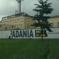 Milano, cancellata la scritta