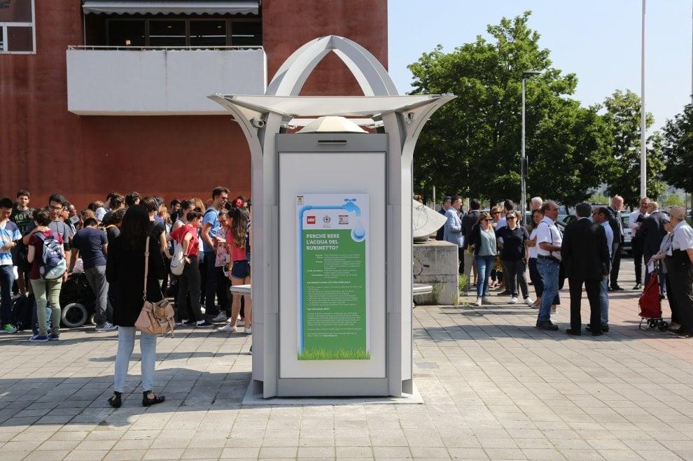 'Casa dell'acqua' per gli studenti della Bicocca: inaugurata la 20esima a Milano