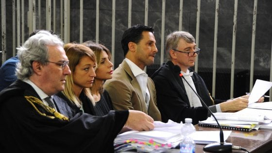 Milano, Corona in tribunale: