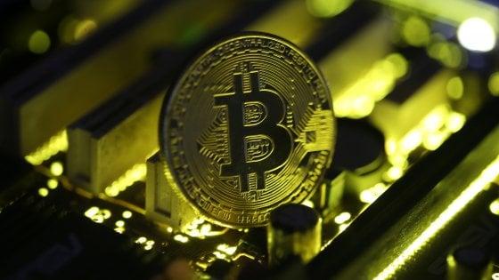 Bitcoin veri contro banconote false: due arresti a Milano per truffa