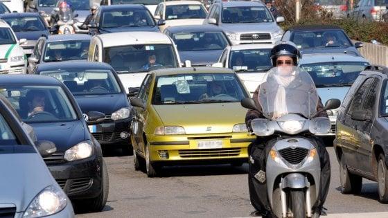 Milano, stop ai diesel dal 2019:  il piano Sala contro l'inquinamento