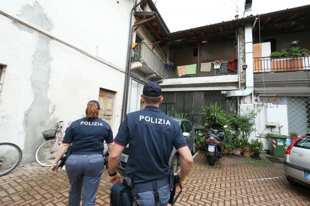Scomparsa a Brescia, fermato il marito: la polizia nell'appartamento della donna