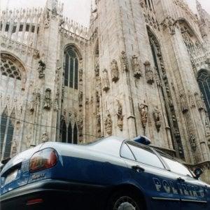 Milano, si spoglia davanti alla Rinascente e molesta i passanti: arrestato 29enne