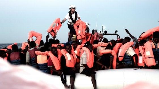 Chiusura dei porti, le conseguenze legali per l'Italia