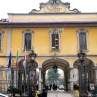 Milano, larve nelle piaghe dell'anziana ricoverata al Trivulzio: assolti primario e infermieri