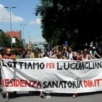 Milano, protesta in via Palmanova dopo lo sgombero degli abusivi