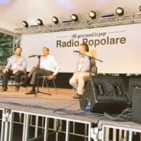 """Milano, Sala alla festa di Radio Popolare attacca Salvini: """"Diabolico attivatore di..."""