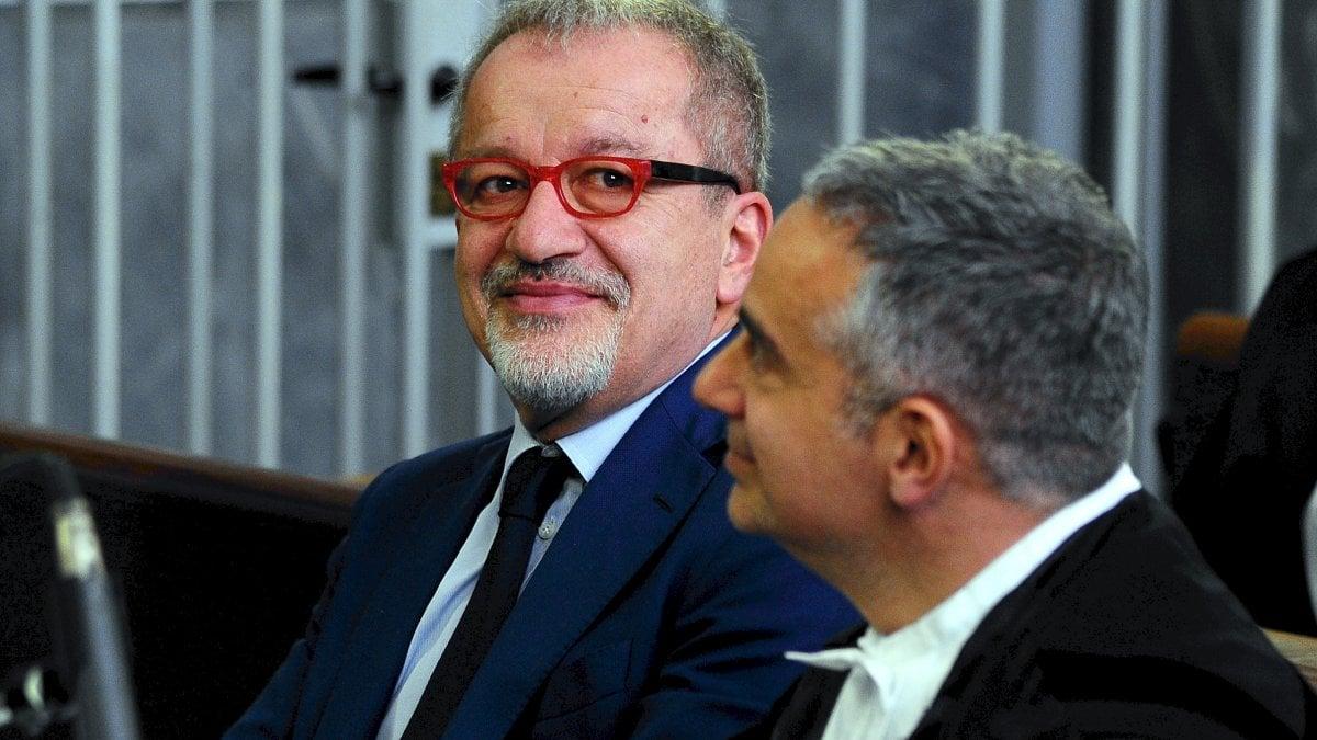 L'ex presidente della Regione Lombardia, Roberto Maroni, è stato condannato