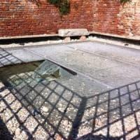 Pavia, figli danneggiarono il monumento ai caduti: il padre dovrà pagare10mila