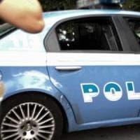 Saluto romano e inno fascista, denunciato a Milano uno stalker antisemita: