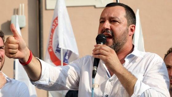 """La sfida della mamma adottiva: """"Caro Salvini, vieni al pranzo antirazzista di Milano"""""""