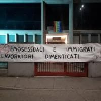 Striscioni e slogan razzisti e omofobi contro le sedi Cgil in Lombardia