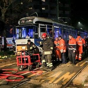Milano, travolto da un tram vicino alla Centrale: è grave