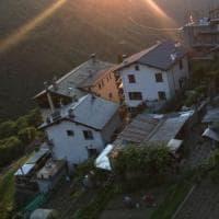Abbaiavano troppo: bruciati vivi due cani in Valtellina