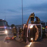 Cassano D'Adda, furgone contro Suv alla rotonda: l'intervento dei soccorritori