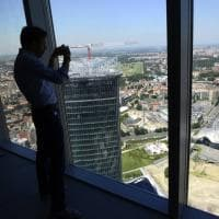 Panoramica della Milano che sale, dal tetto della Torre Allianz la vista è mozzafiato