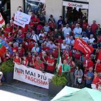 Abbiategrasso: le magliette rosse con l'Anpi per protestare contro il raduno di estrema destra