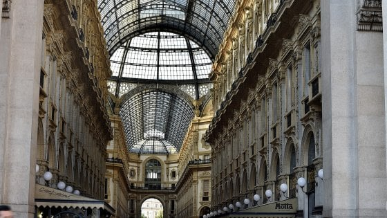 Milano, in Galleria arriva Yves Saint Laurent: affitto record da un milione all'anno