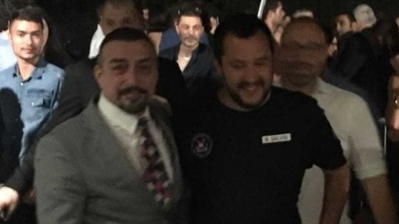 Il ministro dell'Interno Salvini all'Old Fashion, il locale chiuso dal questore dopo le coltellate a Bettarini