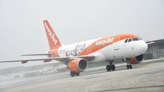Malpensa, saltano tre voli easyJet: a terra 900 persone