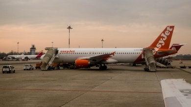 Malpensa, saltano tre voli easyJet: a terra 900 persone, per molti addio vacanza