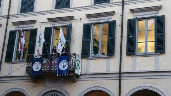 Varese, busta con proiettili e minacce davanti alla sede del