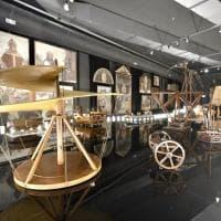 """Milano, la grande parata di Leonardo da Vinci: al Museo della scienza """"sfilano"""" 52 progetti e modelli"""