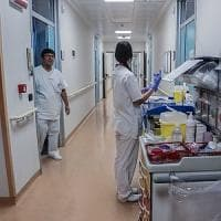 Sanità: i fondi della Regione scarseggiano, gli infermieri si tagliano