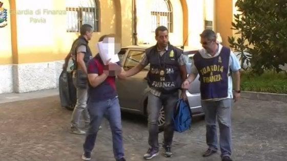 Caporalato, sistema illecito di cooperative scoperto a Pavia: 12 arresti