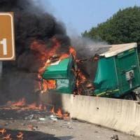 A4, incidente con tir in fiamme: i soccorsi