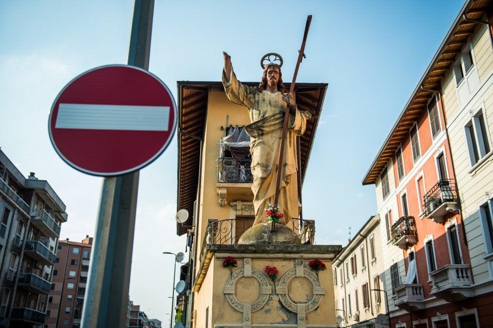 """Milano dalle periferie al centro: il """"Signurùn"""", protettore low cost del Corvetto"""