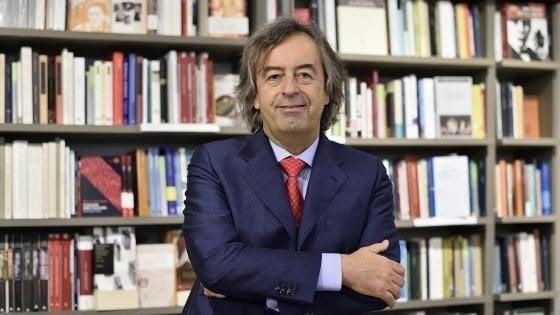 """Vaccini, Burioni alla ministra Grillo: """"Al primo morto di morbillo verrà sbranata"""""""