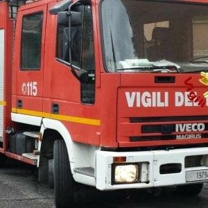 Milano, incendio in un appartamento del Giambellino: muore un uomo di 70 anni