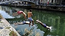 Estate a Milano: un tuffo insieme nel Naviglio per combattere caldo e afa