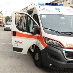 Milano |  incidente all' alba |  moto travolge e uccide un anziano