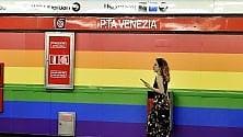 Metrò, a Porta Venezia  la fermata arcobaleno