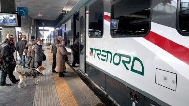 """Annuncio razzista in treno, il Comune dalla parte del passeggero: """"Non sei solo""""   ·  La madre aveva chiesto aiuto a Mattarella:  """"Mio figlio massacrato per colpa della Lega"""""""