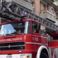 Bergamo, scoppia un grosso incendio in un palazzo: 24 sfollati
