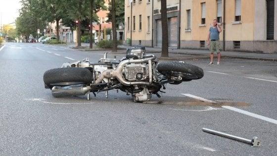 Brescia, motociclista investe e uccide madre e figlio: arrestato per duplice omicidio