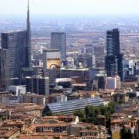 Milano città per single: sono 400mila, più del doppio delle coppie