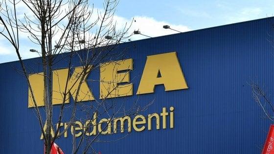 Fanno razzia di mobili all'Ikea di Corsico: tre arresti per furto aggravato