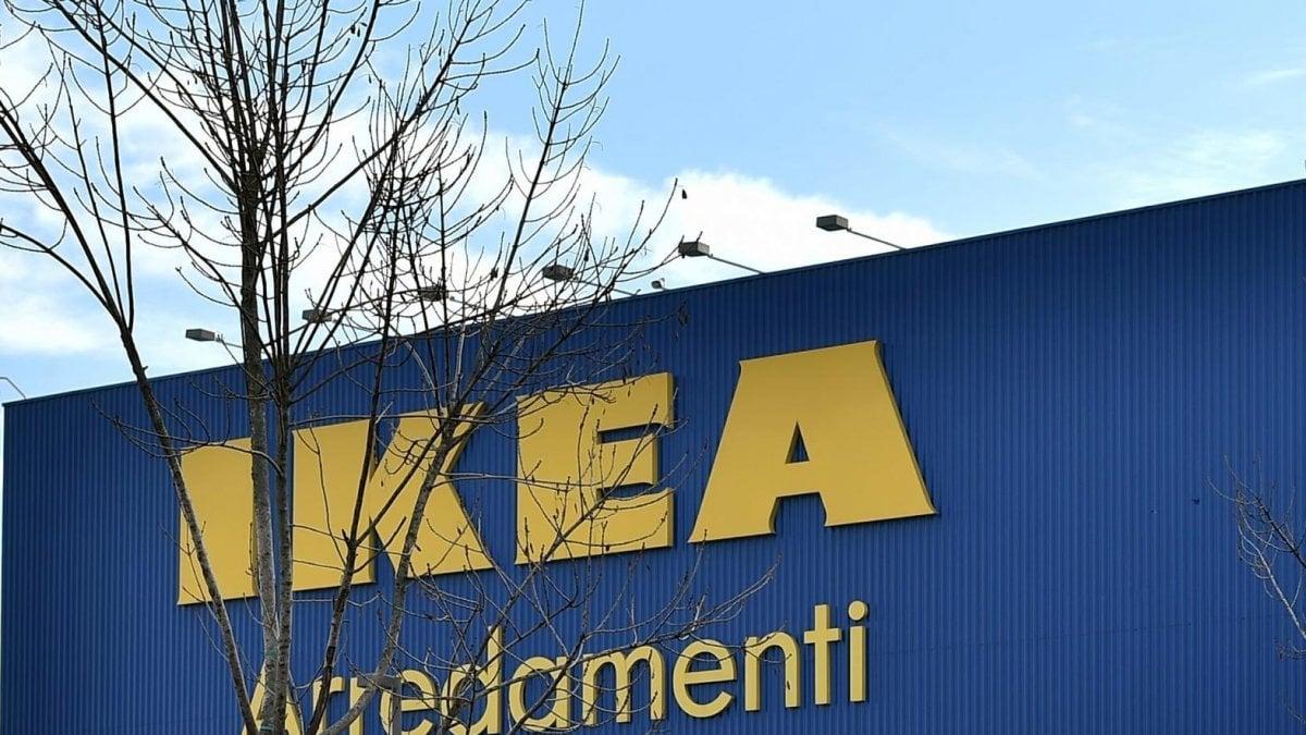 Fanno razzia di mobili all 39 ikea di corsico tre arresti per furto aggravato - Navetta per ikea corsico ...