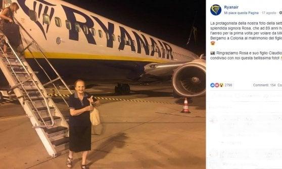 Bergamo, mamma Rosa a 89 anni si imbarca per la prima volta e diventa star del web