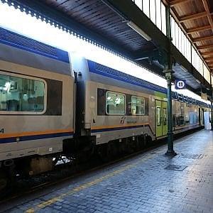 Morto dopo esser stato investito sui binari nel Pavese: bloccata ferrovia Milano-Tortona