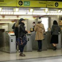 Milano, preso senza biglietto: aggredisce dipendente Atm alla fermata del metrò Centrale